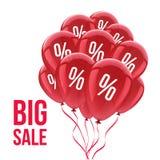 Verkoopachtergrond met rode ballons Het concept van de verkoop - hand met vergrootglas Stock Foto