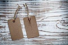 Verkoopmarkeringen op uitstekende houten raad Stock Afbeelding