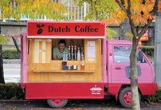 Verkoopvrachtwagen voor Nederlandse Koffie Stock Afbeelding