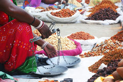 Verkoopvrouwen, de Verkoopvrouwen van India Royalty-vrije Stock Afbeelding