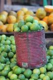Verkopende citroenen Stock Afbeeldingen
