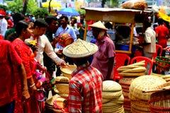 Verkoper bij nieuw jaar 1422 van Bangladesh viering Stock Foto's