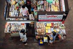 Verkopers bij de Warorot-markt, Chinag-MAI Stock Foto's