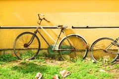 Verlaat fiets Stock Foto's