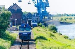 Verladehafen Orsoy morgens Rhein Lizenzfreie Stockfotografie