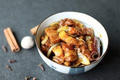 Verlangsamen Sie gekochtes süßes Schweinefleisch stockfotos