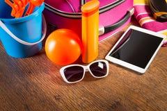 Verlassen für Ferien mit Tablette Lizenzfreies Stockbild