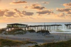 Verlassen, Pier-äußere Querneigungen NC fischend Lizenzfreies Stockbild
