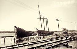 Verlassen, Schoner segelnd stockfotografie