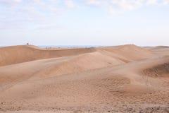 Verlassen Sie mit Sanddünen in Gran Canaria Spanien stockfotos
