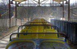 Verlassene alte Achterbahn Stockbild