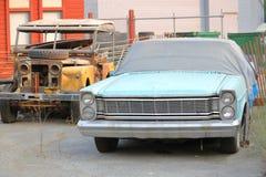 Verlassene alte Autos Stockfotografie