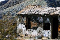 Verlassene Bergbaubretterbude Stockbild