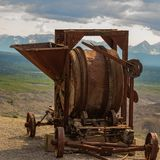 Verlassene Bergwerksausrüstung in Alaska stockfotos