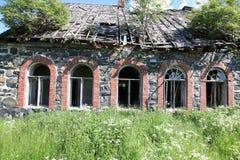 Verlassene errichtende Fassade Stockfoto