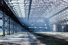 Verlassene Halle Stockbilder