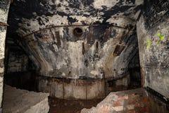 verlassene Korridore der sowjetischen Raketenstartansiedlung des Postens in Lettland lizenzfreies stockbild