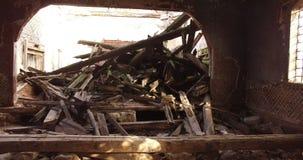 Verlassene landwirtschaftliche Kirche stock footage