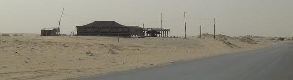 Verlassene provisorische Unterkunft in der Wüste Lizenzfreie Stockfotos