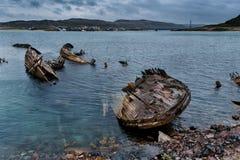 Verlassene Schiffe nahe Teriberka Russland Stockfotos
