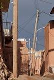 Verlassene schmale Straße in Abyaneh-Dorf, Isfahan-Provinz, IRA Lizenzfreie Stockbilder