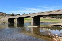 Verlassene Stahlbeton-Brücke Lizenzfreies Stockfoto