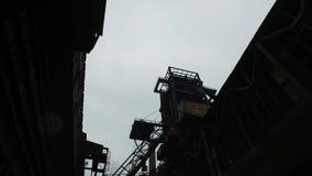 Verlassene Stahlfabrik stock footage
