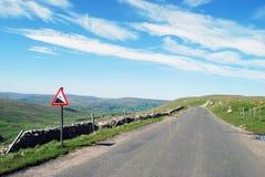 Verlassene Straße in den Yorkshire-Tälern Stockbilder