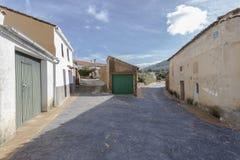 Verlassene Straßen eines Dorfs Stockfotografie