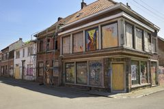 Verlassene Straßen und Häuser in Doel, Belgien Stockbilder