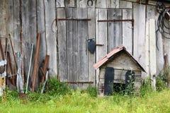 Verlassener Bauernhof stockfotos