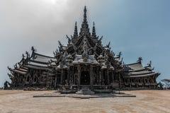 Verlassener buddhistischer Tempel Stockbild