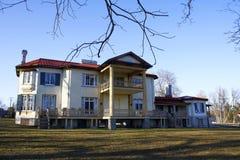 Verlassener historischer Landsitz oder Villa lizenzfreie stockfotos