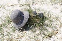Verlassener Hut und Schuhe Lizenzfreies Stockbild