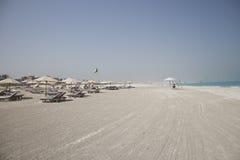 Verlassener idyllischer Strand Lizenzfreie Stockfotografie