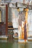Verlassener industrieller Abwasserteich Stockbild