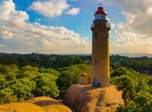 Verlassener Leuchtturm nahe Ufertempel in Mahabhalipuram lizenzfreies stockfoto