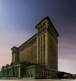 Verlassener Michigan-Hauptbahnhof in Detroit lizenzfreie stockfotos