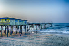 Verlassener Nord-Kap-Hutmacher Carolina Fishing Pier Outerbankss OBX stockfoto