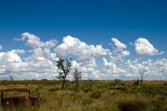 Verlassener Rusty Car - Hinterland Australien Lizenzfreie Stockfotos