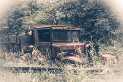 Verlassener Rusty Oldtimer Stockbild