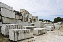Verlassener Steinbruch Stockbilder