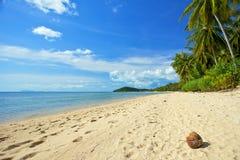 Verlassener Strand der Insel von Thailand Stockfotografie