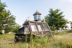Verlassener Weinleseleichenwagen Stockbild