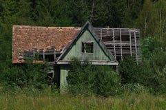 Verlassenes altes Blockhaus Lizenzfreie Stockfotografie