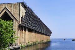 Verlassenes Erz-Dock lizenzfreies stockfoto