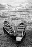 Verlassenes gebürtiges siamesisches Artholzboot Lizenzfreie Stockbilder