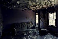Verlassenes Haus in der Bergbau-Gemeinschaft - Shadyside-Dorf, Pennsylvania Lizenzfreie Stockfotos