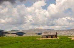 Verlassenes landwirtschaftliches Haus Stockfotos