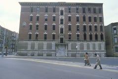 Verlassenes Wohngebäude im Getto, Süd-Bronx, New York lizenzfreies stockfoto